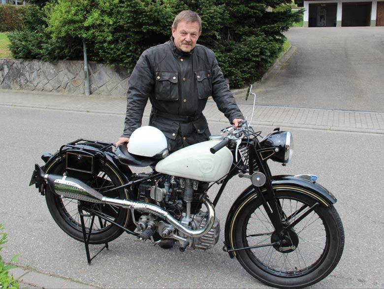 Ewald Weinald mit seiner NSU OSL