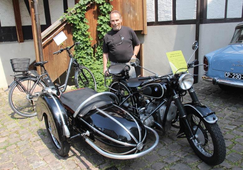 Wolfgang San Millan mit seiner BMW R 51/2 Seitenwagen